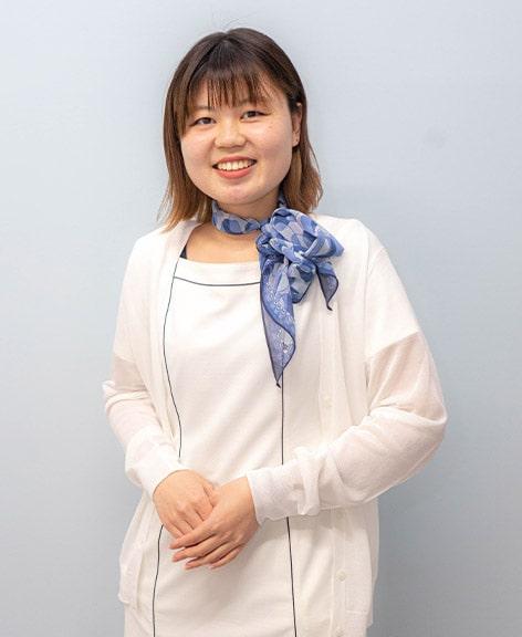 川田 里紗